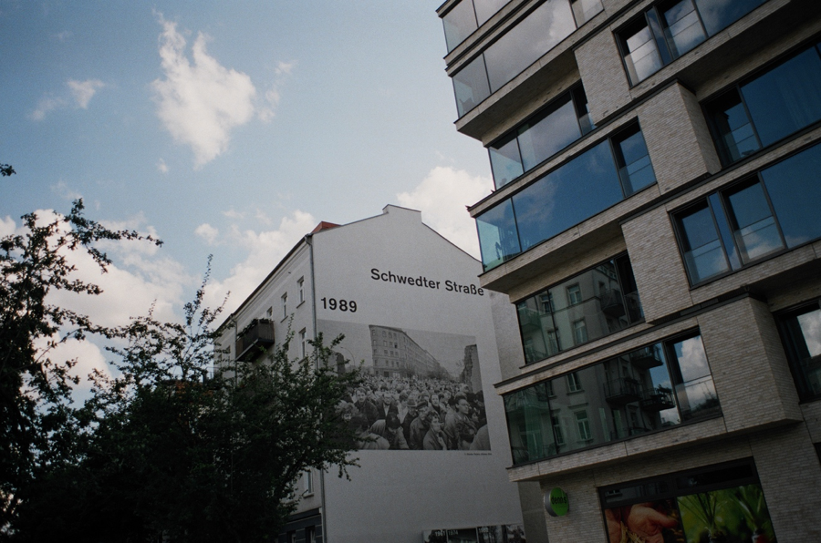 Hommage à la chute du mur de Berlin,2019